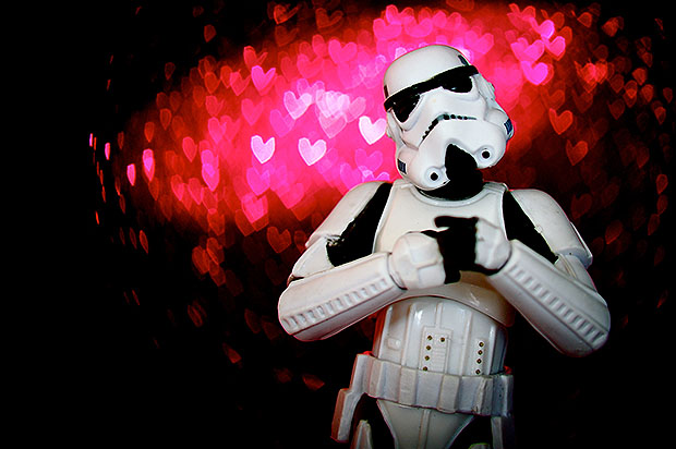 Stormtropper in front of pink heart shaped bokeh