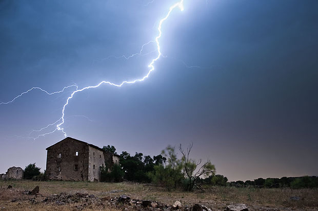 how to use pluto trigger to capture lightening